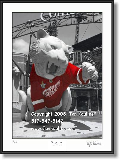 Click on this image to see an enlarged view of RED WINGS JERSEY TIGER STATUE photo picture.