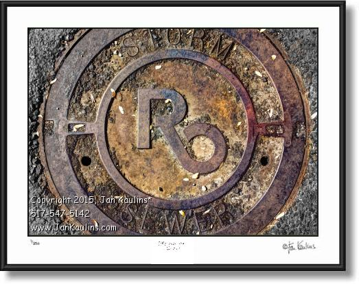 Click on this image to see an enlarged view of ROYAL OAK manhole cover photo Royal Oak print.