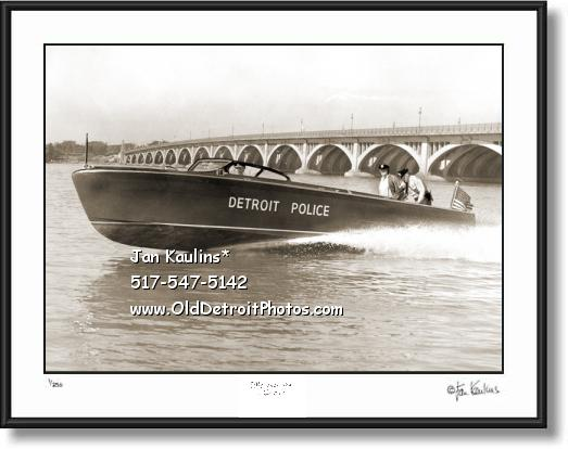 Click on this image to see an enlarged view of DETROIT POLICE speedboat 1952 photo print.