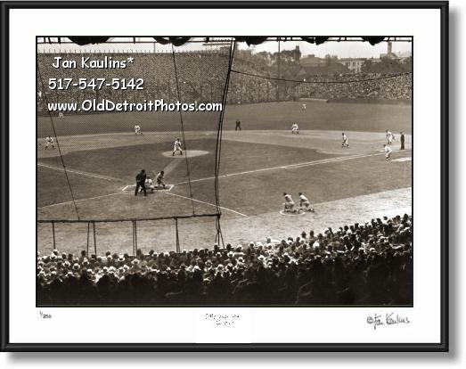 Click on this image to see an enlarged view of 1935 DETROIT WORLD SERIES Navin Field photo.